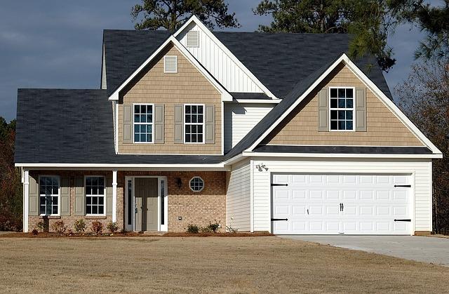 velký rodinný dům s garáží