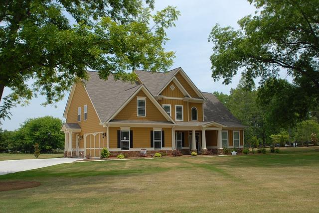 krásný velký dům na samotě